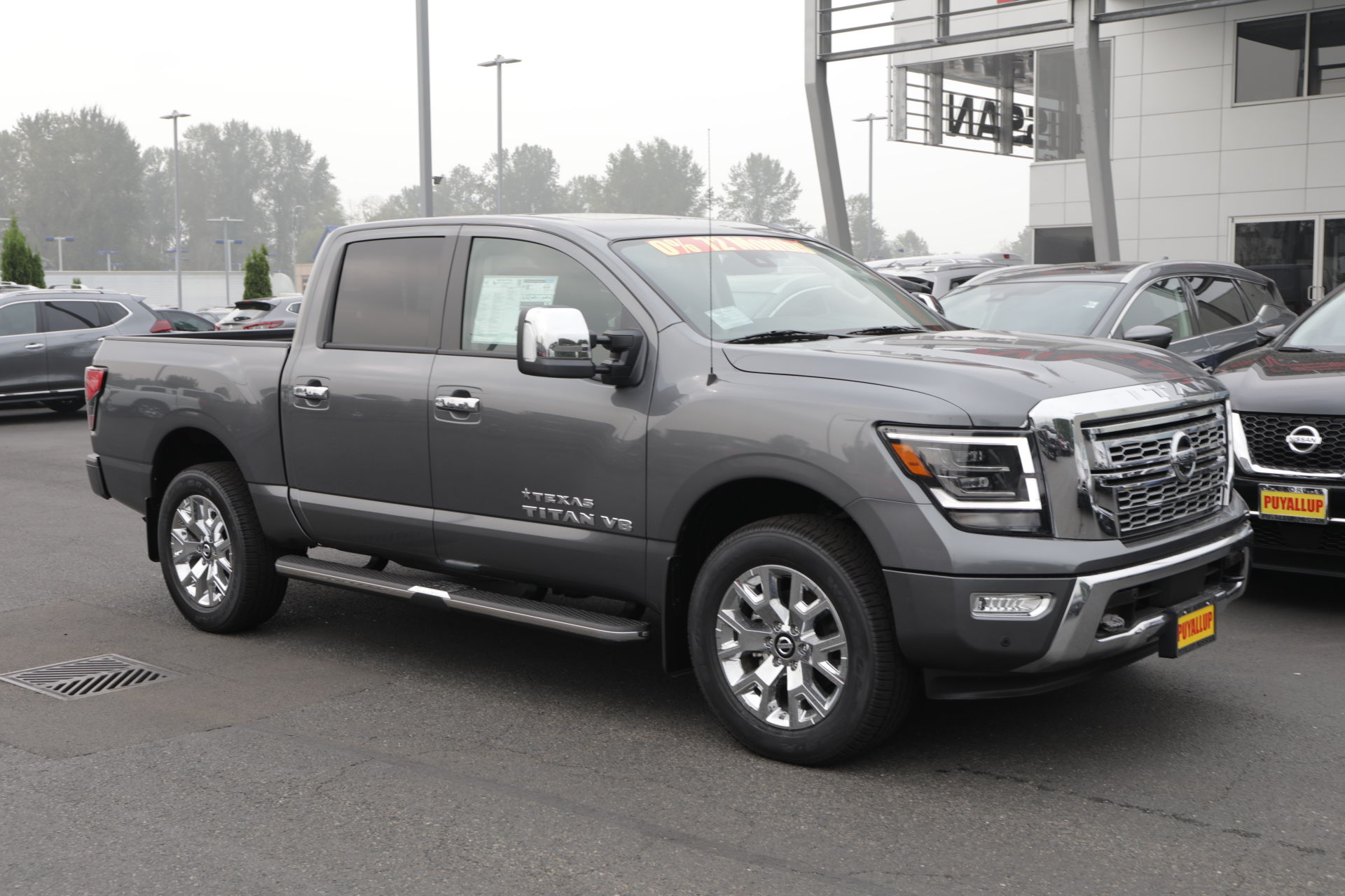 New 2020 Nissan Titan SL with Navigation, 4WD & Moonroof