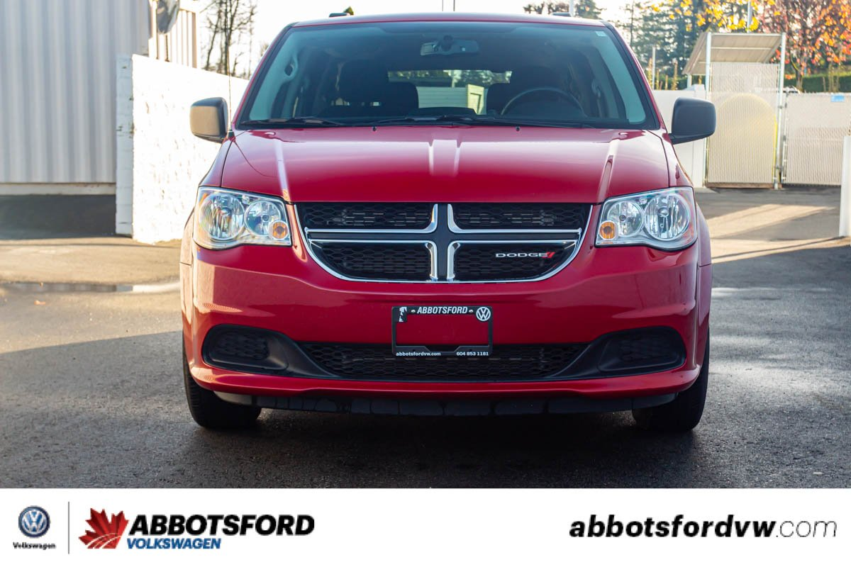 Pre-Owned 2016 Dodge Grand Caravan SXT SEATS SEVEN, LOW KM, REAR ENTERTAINMENT SYSTEM!