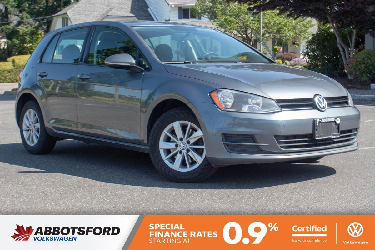 Certified Pre-Owned 2015 Volkswagen Golf Trendline LOCAL CAR, GREAT PRICE, GREAT ON GAS!