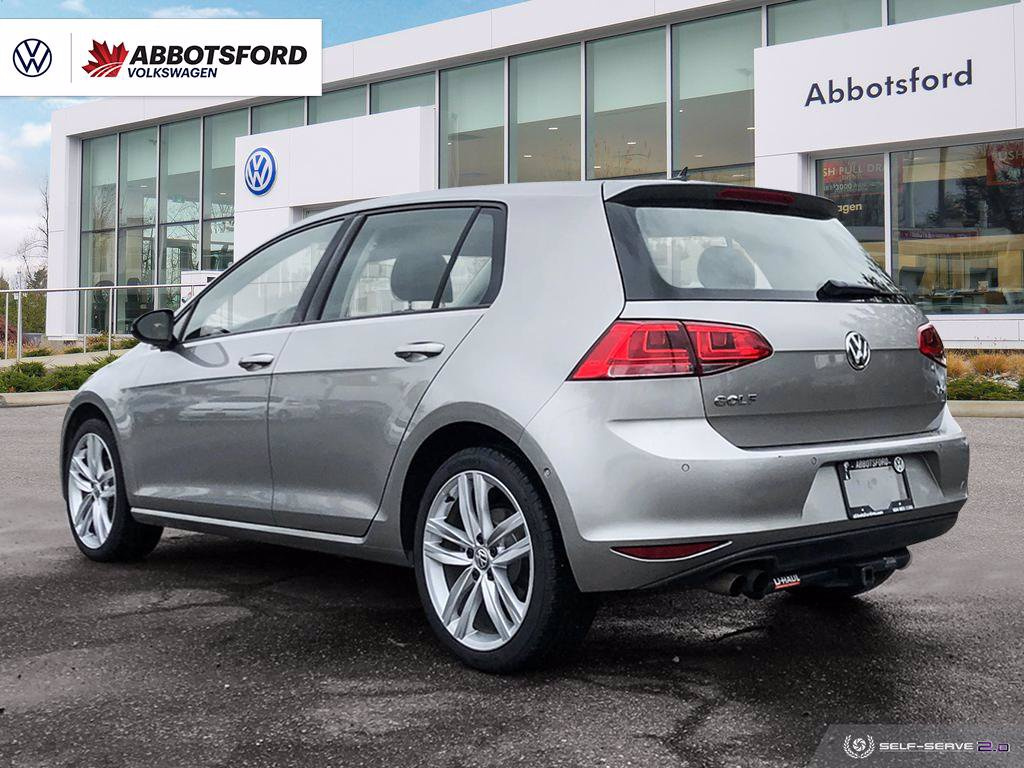 Pre-Owned 2017 Volkswagen Golf Highline