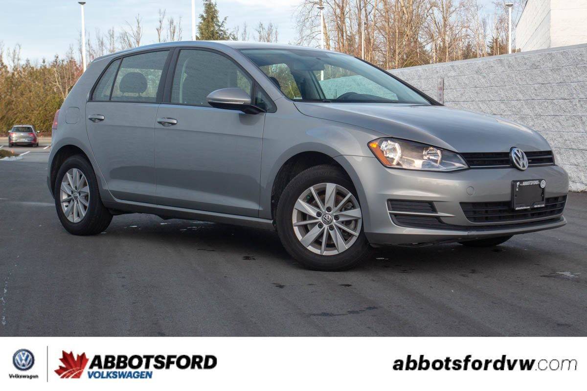 Pre-Owned 2017 Volkswagen Golf BLUETOOTH, BACK-UP CAMERA, HEATED SEATS