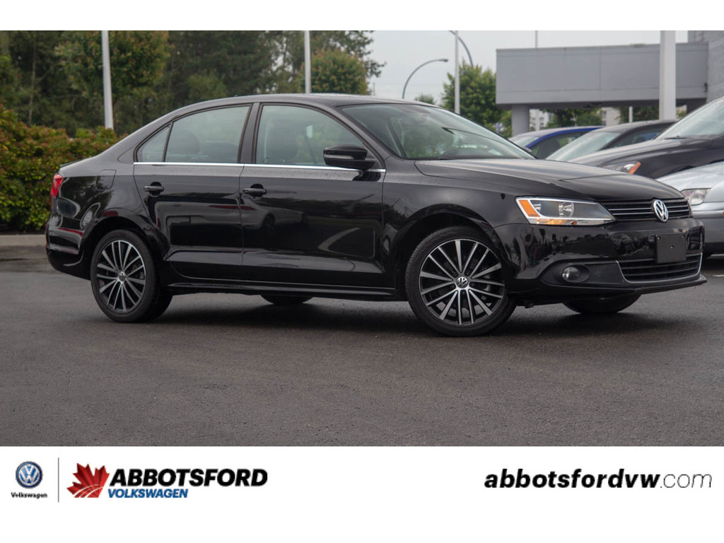 Pre-Owned 2013 Volkswagen Jetta Highline / NO ACCIDENTS,1 OWNER,LEATHER,DIESEL
