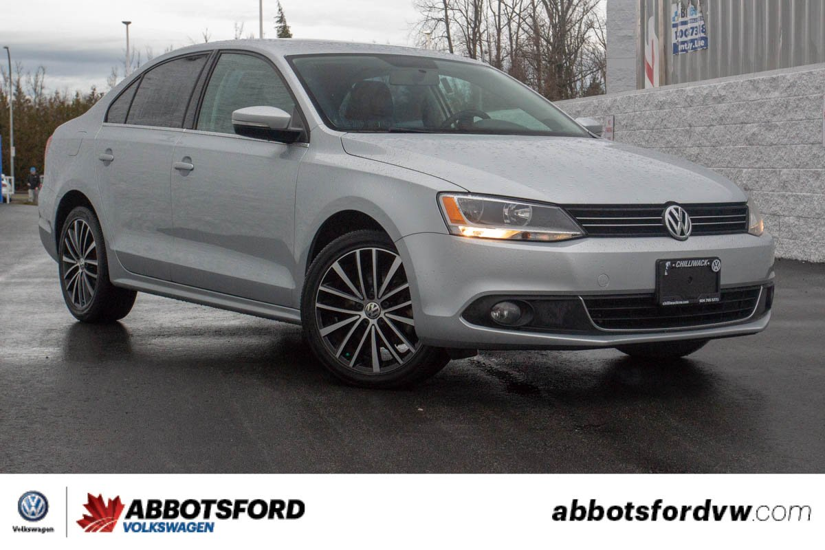 Certified Pre-Owned 2013 Volkswagen Jetta Sedan Highline LOCAL CAR, LOW KM, NAVIGATION