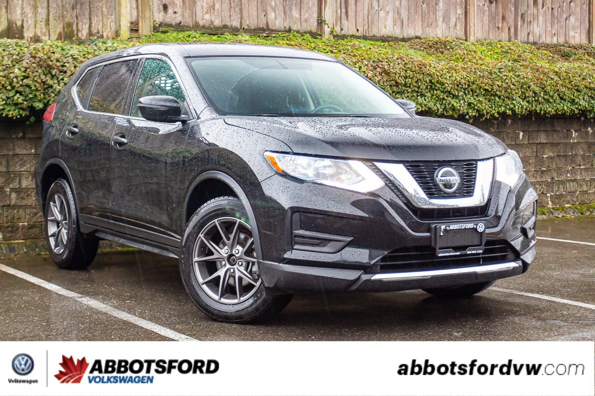 Pre-Owned 2018 Nissan Rogue S AWD, HEATED SEATS, NO ACCIDENTS, LOCAL CAR!