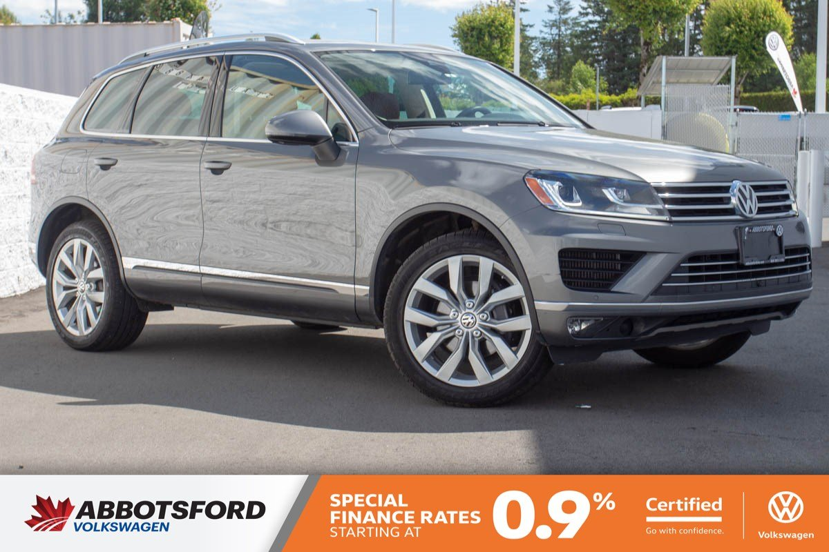 Certified Pre-Owned 2015 Volkswagen Touareg Execline TDI LOCAL, AMAZING FUEL ECONOMY, GREAT DEAL!