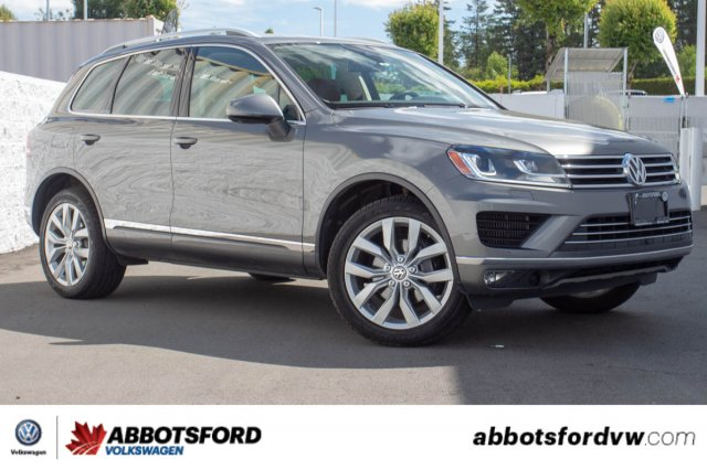 Pre-Owned 2015 Volkswagen Touareg Execline TDI LOCAL, AMAZING FUEL ECONOMY, GREAT DEAL!