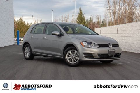 Pre-Owned 2017 Volkswagen Golf LOCAL BC CAR, GREAT VALUE AN FUEL ECONOMY