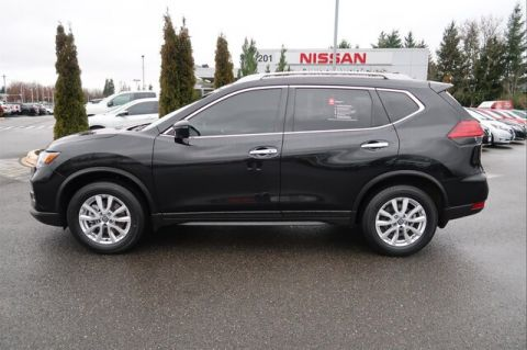 Certified Pre-Owned 2017 Nissan Rogue SV with Third Row Seating
