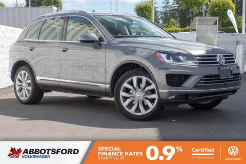 Certified Pre-Owned 2015 Volkswagen Touareg Execline TDI 4MOTION LOCAL, AMAZING FUEL ECONOMY!